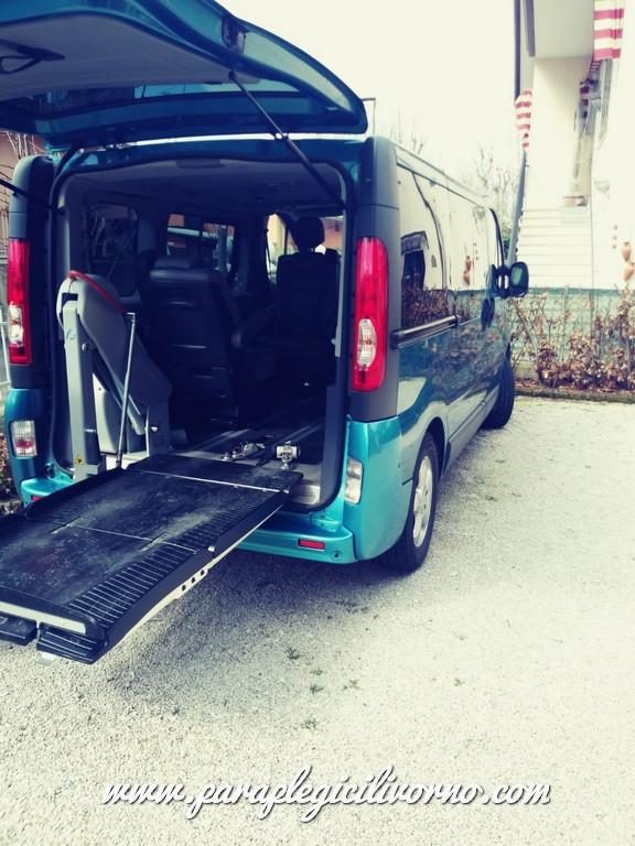 paraplegici-livorno-renaul-trafic-trasporto-disabili-00005